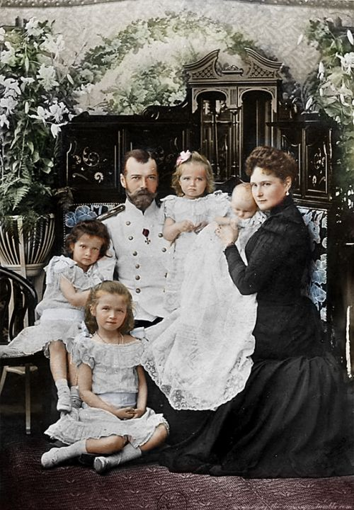 The Romanovs: Emperor Nicholas II of Russia, Empress Alexandra Feodorovna and their daughters, 1901