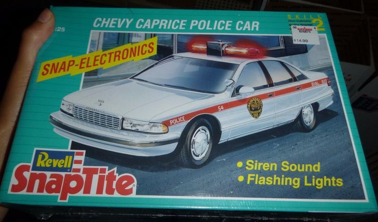 Revell-Snap-Tite-Chevy-CAPRICE-POLICE-Car-1/25