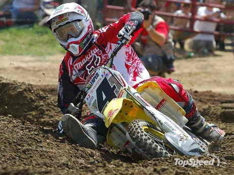 Ricky Carmichael (the G.O.A.T.) getting deep and low in the corner; mad skillz.