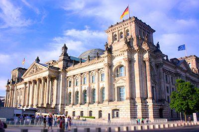 ドイツの国会議事堂。いろんな歴史の中で復元されました。ベルリン 旅行・観光おすすめスポット!