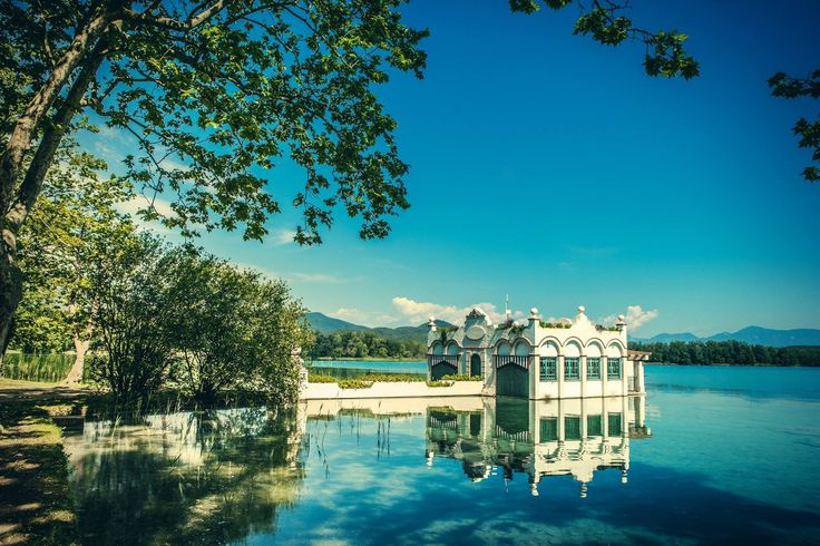 Lake of Banyoles, the largest lake in Catalunya. Sports fans may be interested to know that the lake was one of the venues for the 1992 Barcelona Olympic Games.