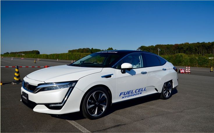 """Two days before its unveiling at the Tokyo Auto Show, I could drive the new version of Clarity Fuel Cell""""s fuel cell fed by hydrogen in the center of research and development of Honda Tochigi in Japan.   #auto #autoes #car #cars guide #Getting Started #Honda Clarity Fuel Cell - First Contact in Japan #Test #The Car Guide Tests and Features #the cars #vehicle"""