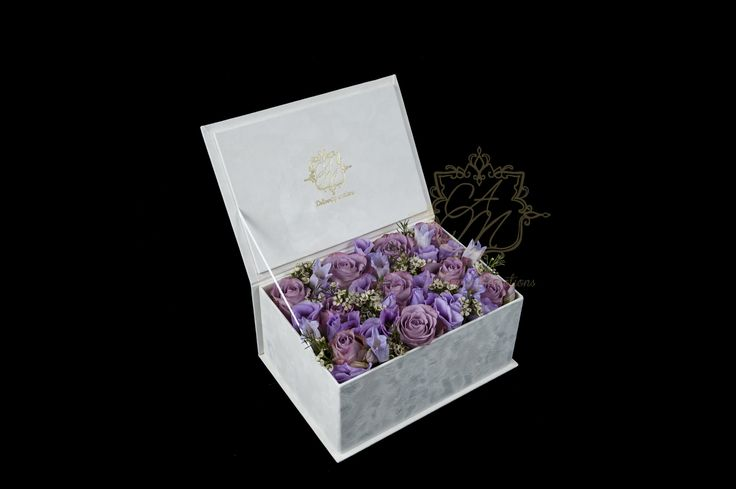 Flower box Floral arrangement that express gratitudine Luxury gifts Luxury Flowers
