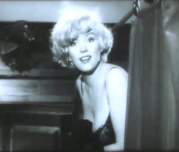 In Some Like It Hot (1959)Low Carb Diet, Marilyn Monroe, Hot 1959, Jeans Marilyn, Photos Shoots, Norma Jeans, Marylin Monroe, Comedy Movie, Birthday Ideas