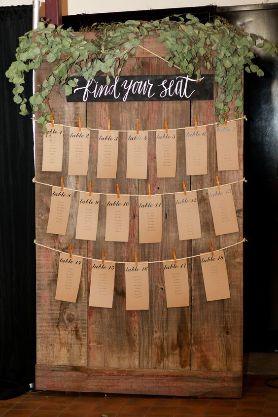 rustic country wedding seating plan / http://www.himisspuff.com/creative-seating-cards-and-displays/7/