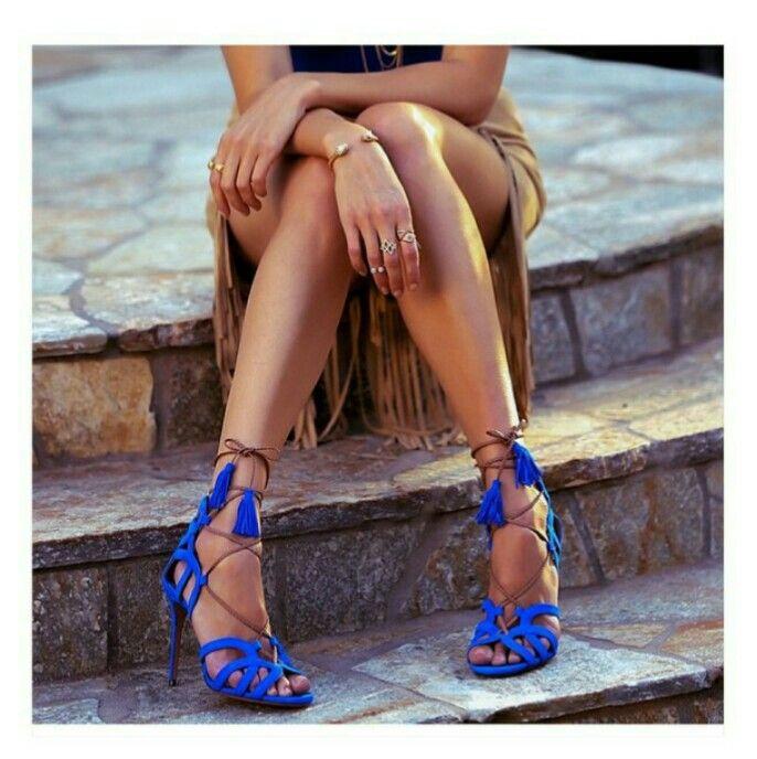 Sandalia azul royal dos sonhos! Via mijaporter