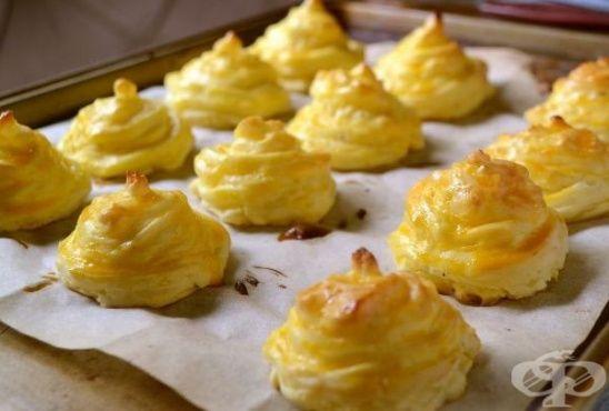 Гарнитура от картофени целувки и медальони с кашкавал - изображение