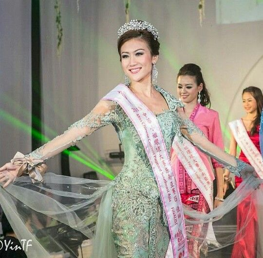 Bianca Beatrice, Miss Chinese Cosmos Southeast Asia 2013 and Miss Coffee Indonesia 2012.