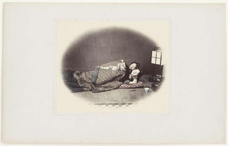 Felice Beato | Twee slapende Japanse vrouwen, Felice Beato, 1867 - 1868 |