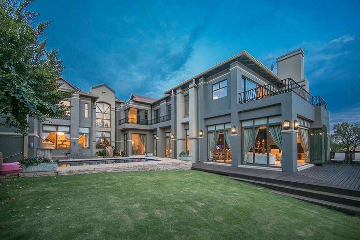 Opulence & Elegance...  (https://www.rawson.co.za/property/4-bedroom-house-for-sale-in-meyersdal-eco-estate-id-719299)