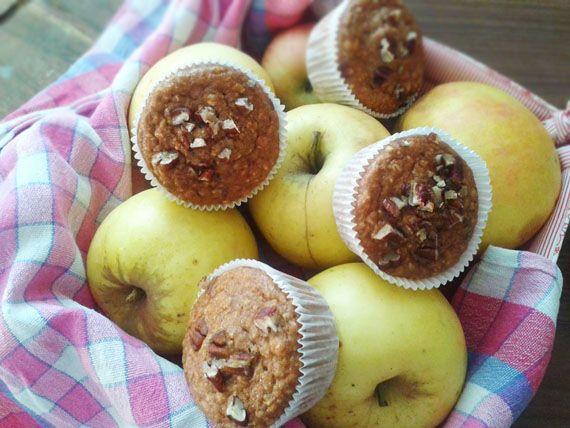 Zdravé jablkovo-škoricové muffiny s hrozienkami