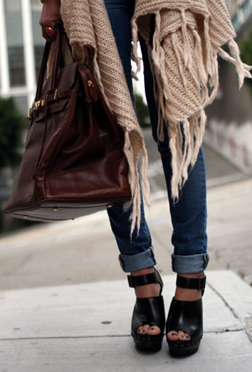 autumn: Outfits, Fashion Shoes, Over Sweaters, Rolls Jeans, Girls Fashion, Heels, Girls Shoes, Cuffed Jeans, Bags
