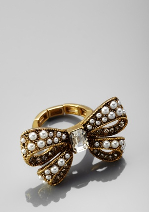 BETSEY JOHNSON Pearl Detailed Bow Tie Stretch Ring