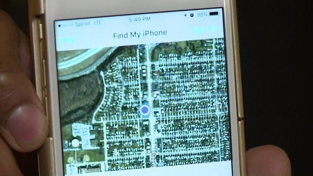 http://edinburgh.fortuneinnovations.com/news/using-%E2%80%98find-my-iphone%E2%80%99-app-track-your-lost-or-stolen-iphone  'Find my #iPhone' #app reunites teen with stolen phone.
