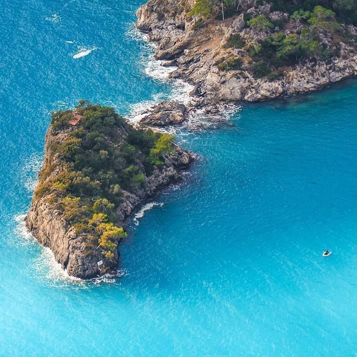 There are lots of small picturesque and secluded islands near #Fethiye #Turkey