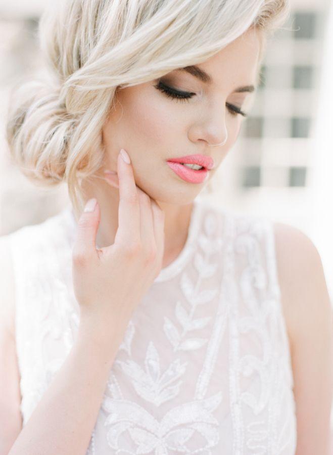 Bright pink lip and sultry smokey eyes: http://www.stylemepretty.com/canada-weddings/ontario/toronto/2015/09/21/elegant-bridal-portrait-inspiration/ | Photography:  ARTIESE Studios - http://www.artiesestudios.com/