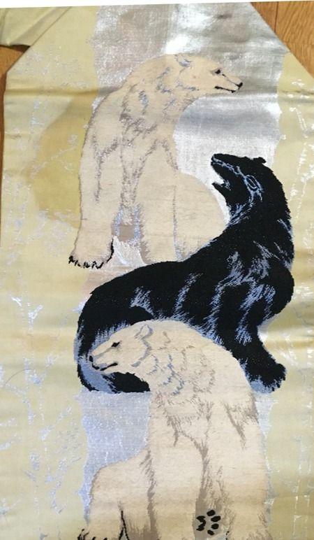 アンティークの熊オビと梅キモノ