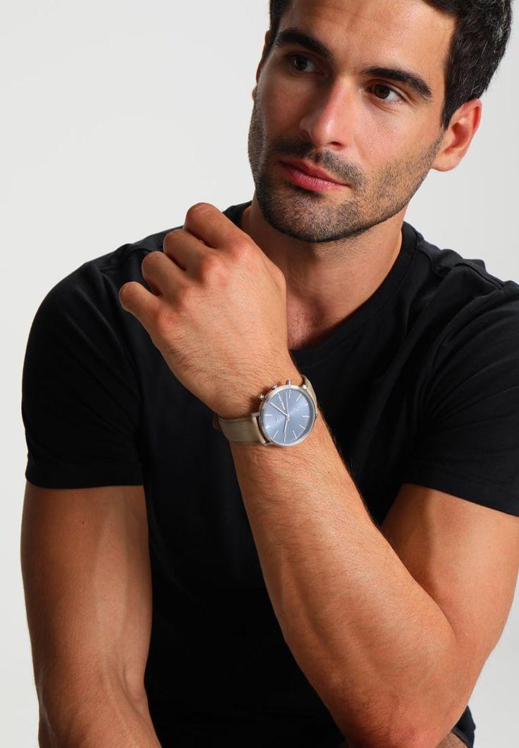 ¡Consigue este tipo de reloj de Michael Kors ahora! Haz clic para ver los detalles. Envíos gratis a toda España. Michael Kors JARYN Reloj hellbraun: Michael Kors JARYN Reloj hellbraun Complementos     Complementos ¡Haz tu pedido   y disfruta de gastos de enví-o gratuitos! (reloj, watches, mini clock, chronograph, chronometer, pulsometer, clock, watch, leather strap, reloj, minirreloj, cronógrafo, cronografos, cronógrafos, cronografo, cronómetro, cronómetros, cronometro, cronometros, ...