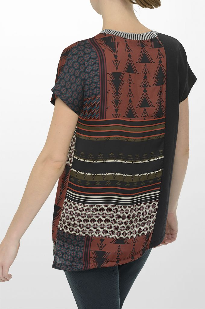 Sarah Lawrence - short sleeve printed blouse, jacquard cropped pant.