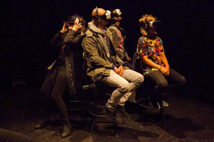 Björk Digital: l'esibizione VR presto a Los Angeles. Il pubblico sperimenta la realtà virtuale di Björk Digital alla Somerset House di Londra. Immagine ufficiale dell'evento. | VirtuaLMentis