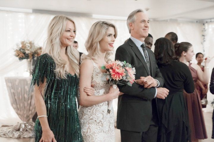 """Parents of Bride and Felicity in """"Irreconcilable Differences"""""""