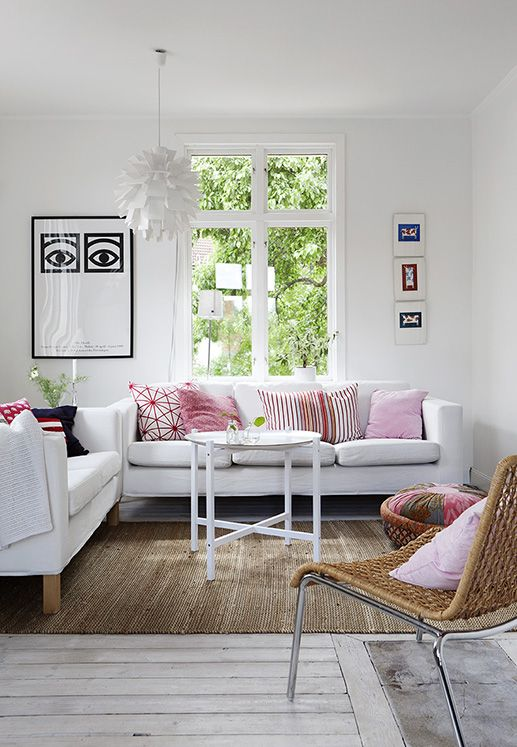 light & summery living room decor
