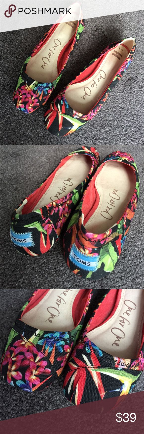 Colorful Toms Ballet Flat Size 7 Size 7 (normal width) Tom's ballet flat in black, red, pink, green, etc tropical floral pattern.  Only worn 2 or 3 times. I have too many pairs so will sell those not getting worn much.  Very cute, great with jeans or more dressed up.  Thanks for looking! TOMS Shoes Flats & Loafers
