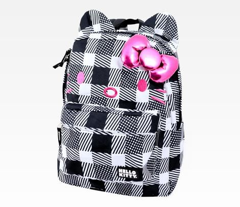 Hello Kitty Backpack: Plaid