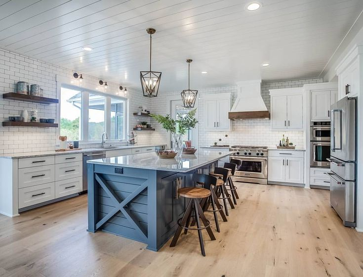 "Home Bunch (@homebunch) on Instagram: ""I am getting a lot of DMs about this gorgeous #farmhousekitchen and I totally see why. I guess you…"""