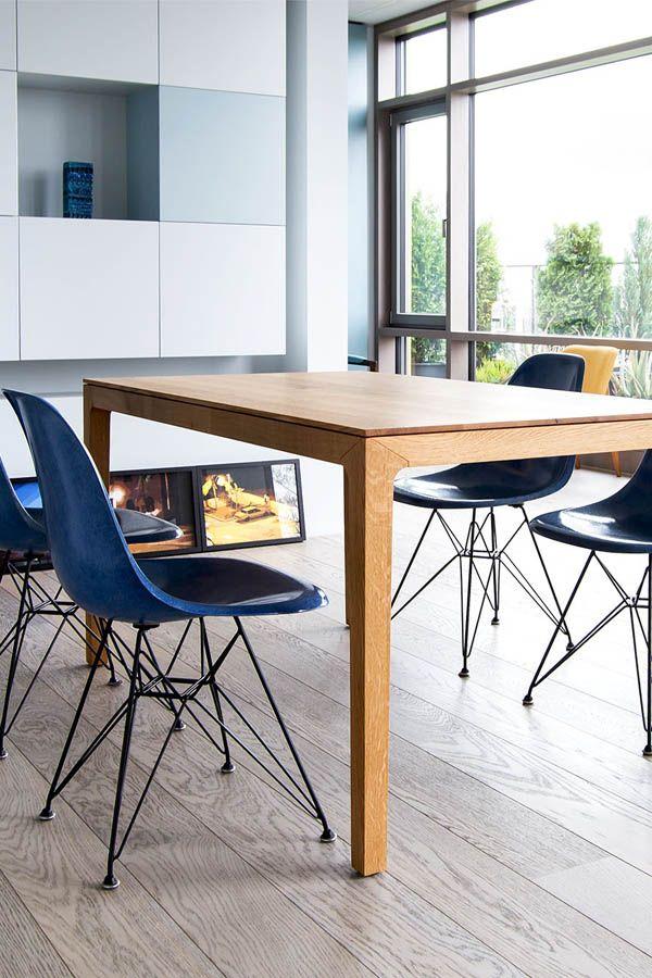 N Blogg Filigran Und Massiv Ein Holztisch Im Skandinavischen Stil Jetzt Online Holztisch F Esstisch Modern Couchtisch Skandinavisch Esstisch Holz