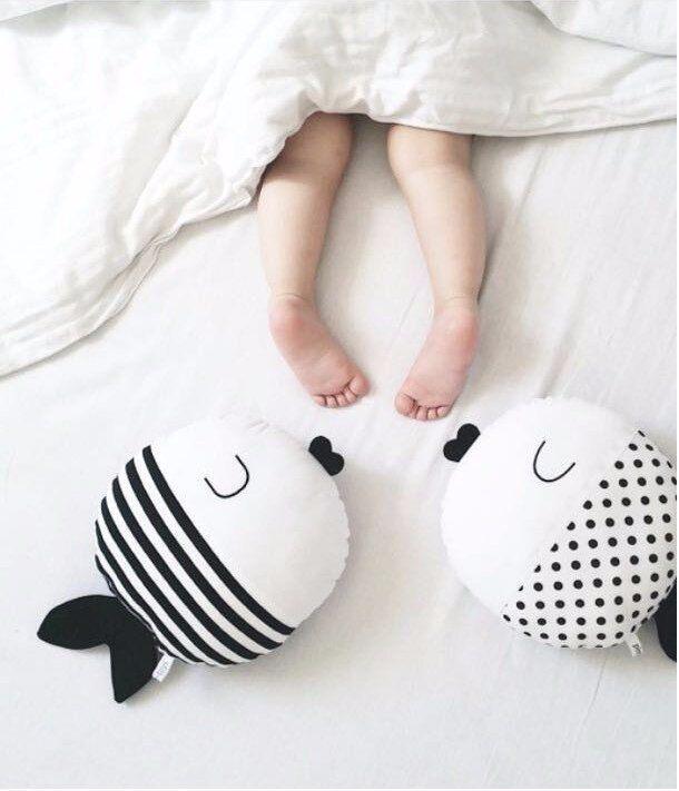 Aliexpress.com: Comprar 40 CM pescado lindo de la historieta para dormir almohada peluche Goldfish cojín de peluche de juguete muñeca niños suaves almohadas decorativas para cama INS Hot de encanto de la muñeca fiable proveedores en Hot in INS