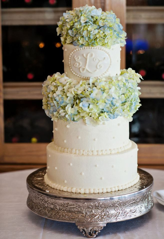 Dairing Events: Sarah & Tom | Ponte Vedra Beach Wedding    Hydrangea and Monogram Wedding Cake    Photography: Cheryl Joy Photography