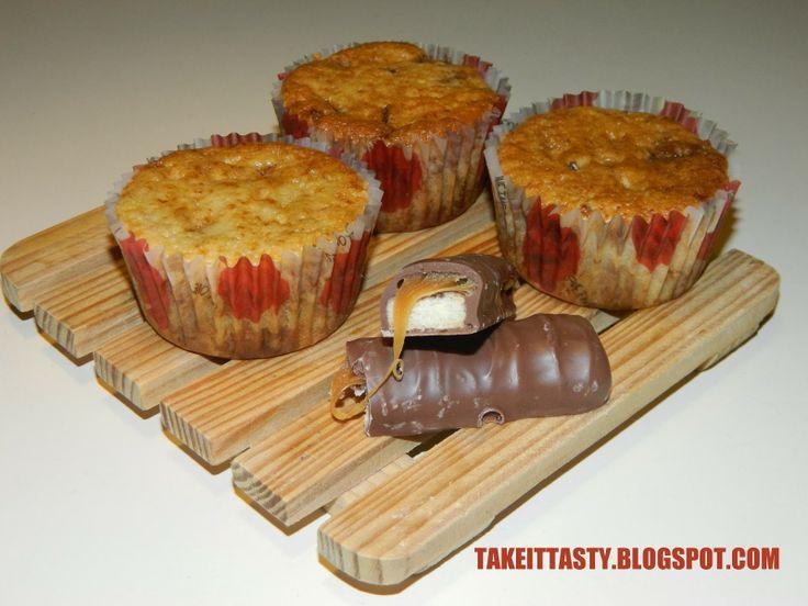 Muffinki z twixami i amaretto! fb.com/takeittasty