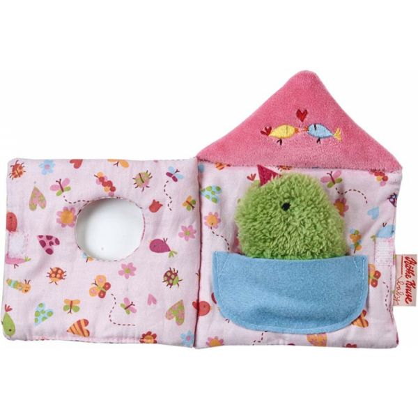 Vanaf :   				   				  3 maand  ~   0 jaar 				   				   				   				    Info :   				   				  16x12cm A small photo book made ?of cloth in form of a bird house. The green birdie can tell nice stories.