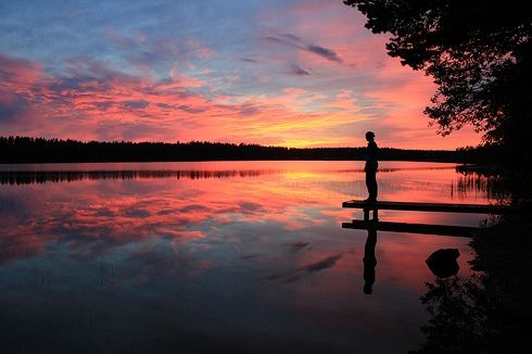 Summer night in Finland <3  I hope to see one of these sunsets there #bucketlist