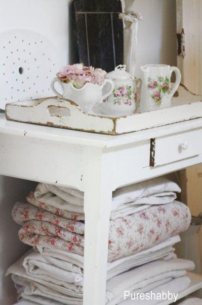 33 besten shabby chic badezimmer bilder auf pinterest shabby chic badezimmer shabby chic deko. Black Bedroom Furniture Sets. Home Design Ideas