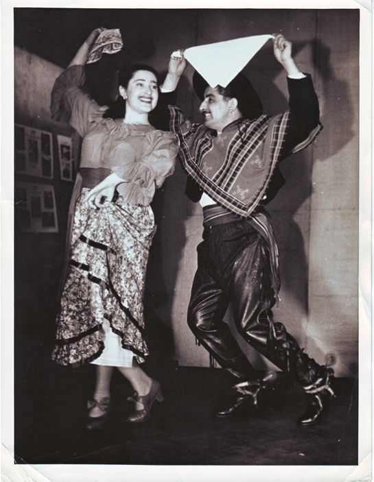 16- Margot junto a Hermogenes Mendez 1947b