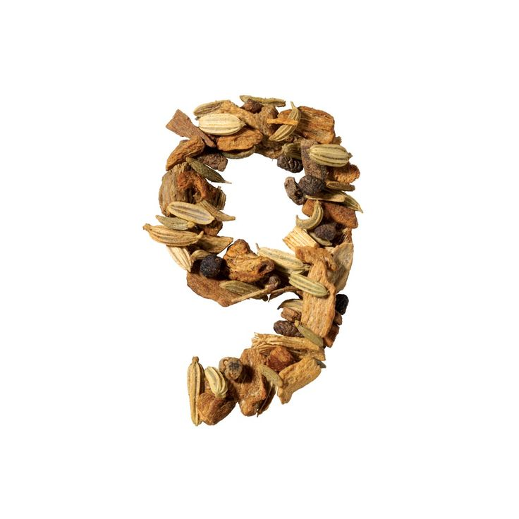 N° 9– Herbal Tea Sweet Chai – Clasic  Yoga, fitness, plimbări în aer liber şi diete, toate pentru un mod de viaţă mai sănătos, mai relaxant…cum ar fi dacă ai regăsi totul într-o cană de ceai – un ceai de plante fără cofeină. Cardamom, ghimbir și scorțișoară, piper și rădăcină de lemn dulce – rețeta care îți trezește toate simțurile, un gust puternic și ușor dulce, care are multiple proprietăţi.
