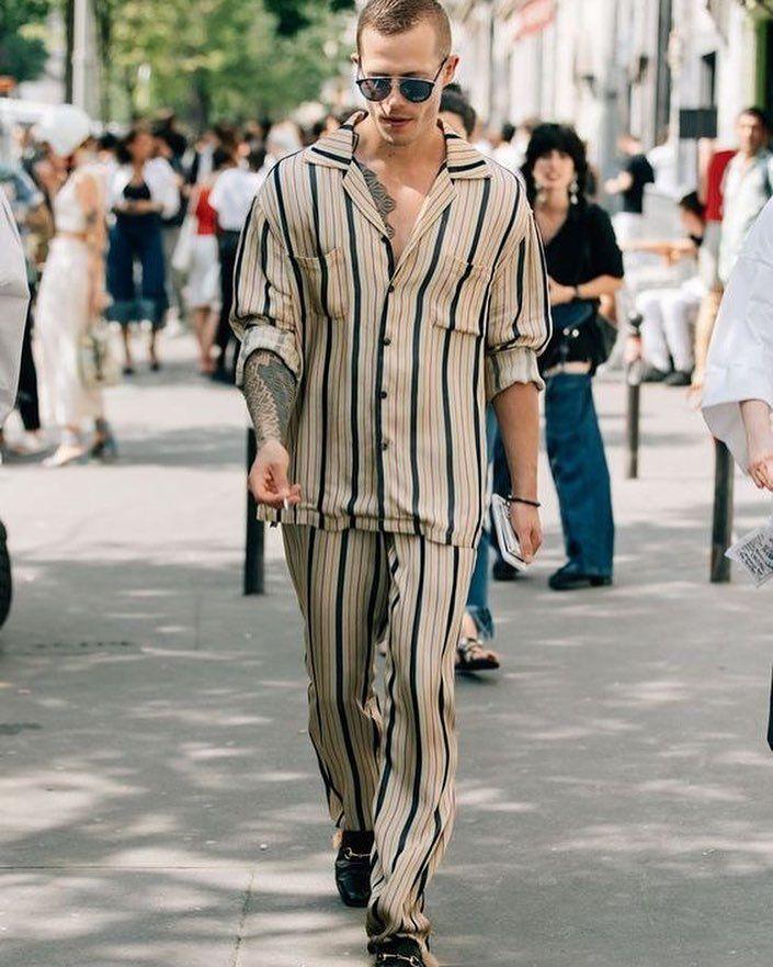 🔥🎩♛ . . . . . .  [ #masculino ] [ #moda ] [ #modahombre ] [ #moda2018 ] [ #malemodel ] [ #guys ] [ #fashionista ] [ #modahombres ] [ #modaurbana ] [ #tendencias ] [ #repost ] [ #corbata ] [ #traje ] [ #camisa ] [ #suit ] [ #tie ] [ #gentlemen ] [ #businessman ] [ #fashion ][ #Urbanstyle ] [ #fashionrd ] [ #modaparahomens ] [ #modard ] [ #amazonseller ] [ #caballero ] [ #menswear ] [ #mensstyle ] [ #nyc ] [ #menssuits ] [ #mensfashion ]