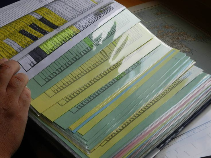 Here is my trick! Gen 1 (white page) Gen 2 (white page) Gen 3 (Green) Gen 4 (Yellow) Gen 5 (Blue) Gen 6 (Pink). File Folders match paper color too! -- Dave McGuigan