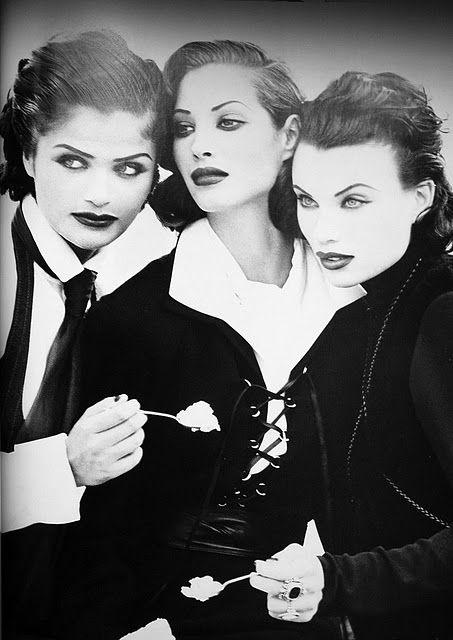 Vogue US - Helena Christensen & Christy Turlington and Heather Stewart-Whyte - 1991- Shot by Peter Lindbergh