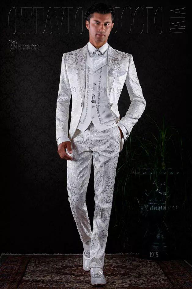 M s de 1000 ideas sobre trajes de novio blanco en for Trajes de novio blanco para boda