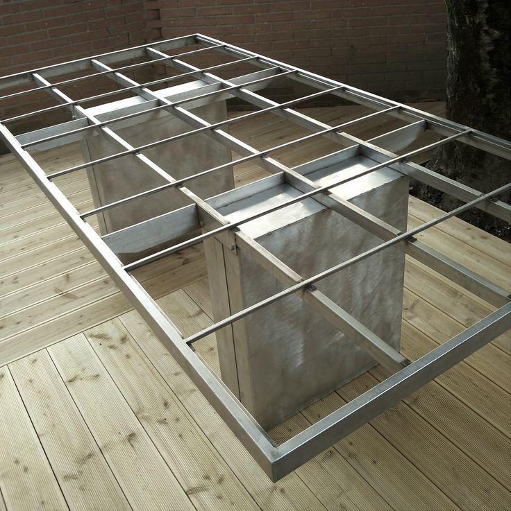 """""""INSOLITO ACCIAIO"""" struttura tavolo in acciaio in cui vengono alloggiati le piastrelle di gres ( ma anche listoni di legno o altro materiale perchè no?)"""