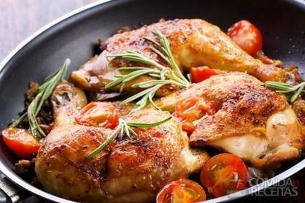 Receita de Frango frito com alho em receitas de aves, veja essa e outras receitas aqui!