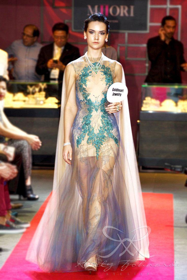 #lace #tulle #couture #fashion #hautecouture #fashionshow #promdress #cocktail #dress #redcarpet #glam #gala #glamour #glamorous #look #redcarpetlook #redcarpetfashion #ruslytjohnardi #ruslytjohnardiatelier #makeup #cledepeau #hairdo #actionhairsalon #fashionideas #outfit #fashioninspiration #fashiondesigner #fashiondesign #singapore #tourquoise