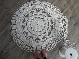 Another doily rug...I want to try this for my craft room.