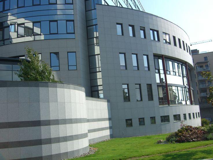 Nydalen. Naturstein i fasader er levert av Naturstein Montering AS på Sundvollen i Hole Kommune