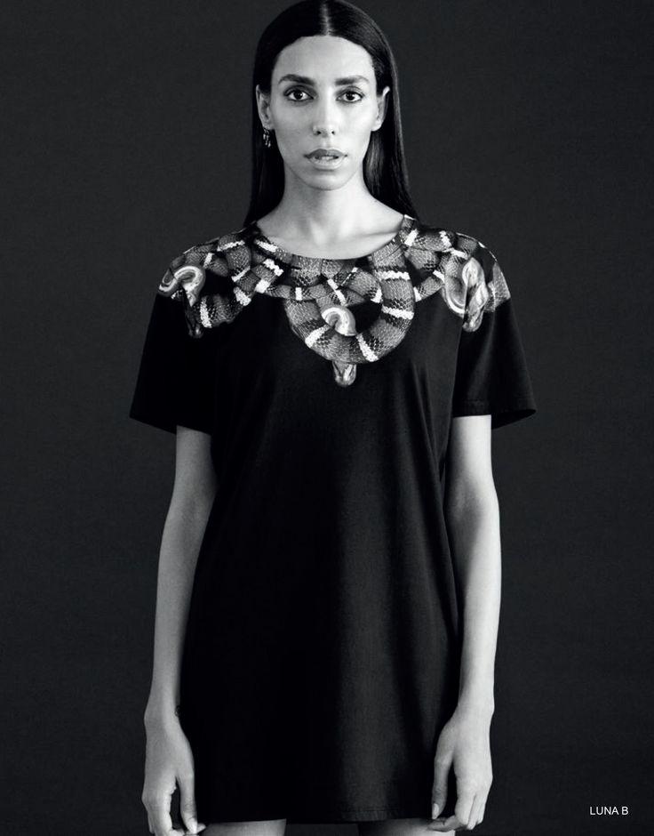 LUNA black t-shirt