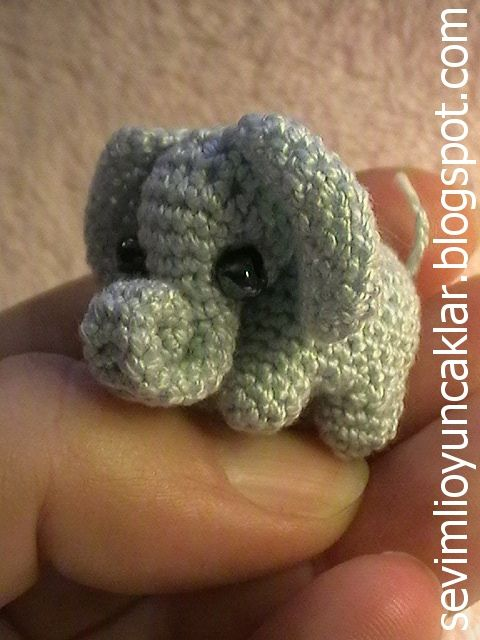 387 best Crochet ~ Micro & Miniature Amigurumi images on Pinterest ...