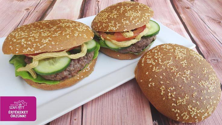Gluténmentes, tejmentes, élesztőmentes, szójamentes, PALEO hotdog kifli vagy hamburger zsemle recept       Hozzávalók (4 db kis kiflihez, összesen: 280 gramm):   150 g Szafi Reform szénhidrát-csökkentett, gluténmentes kenyér és péksütemény lisztkeverék (Szafi Refrom szénhidrátcsökkentett,